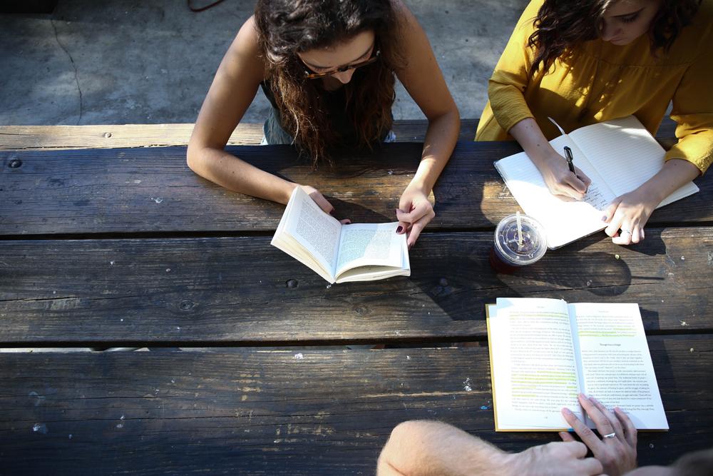写作技巧常见语法问题:单复数动词、一般代名词与关系代名词